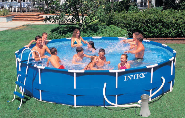 Piscina fuori terra intex metal frame 457x107 piscine for Intex accessori